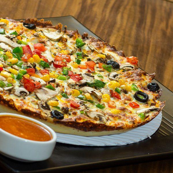 پیتزا مخصوص رستوران گاجره پلاس